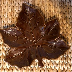 POTTERY BARN Autumn Maple leaf plate - NWOT